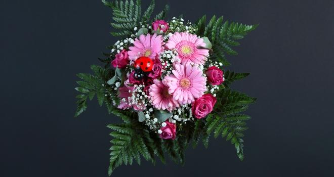 Bouquet fond noir